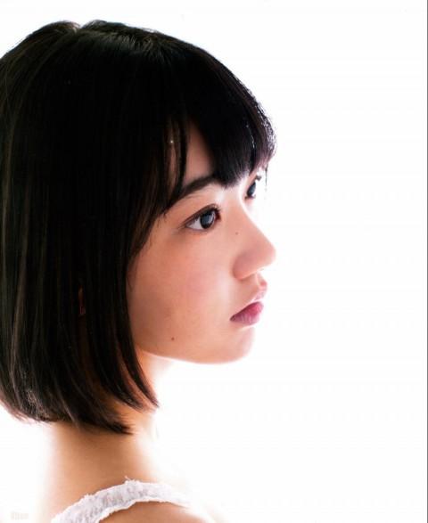 宮脇咲良_04