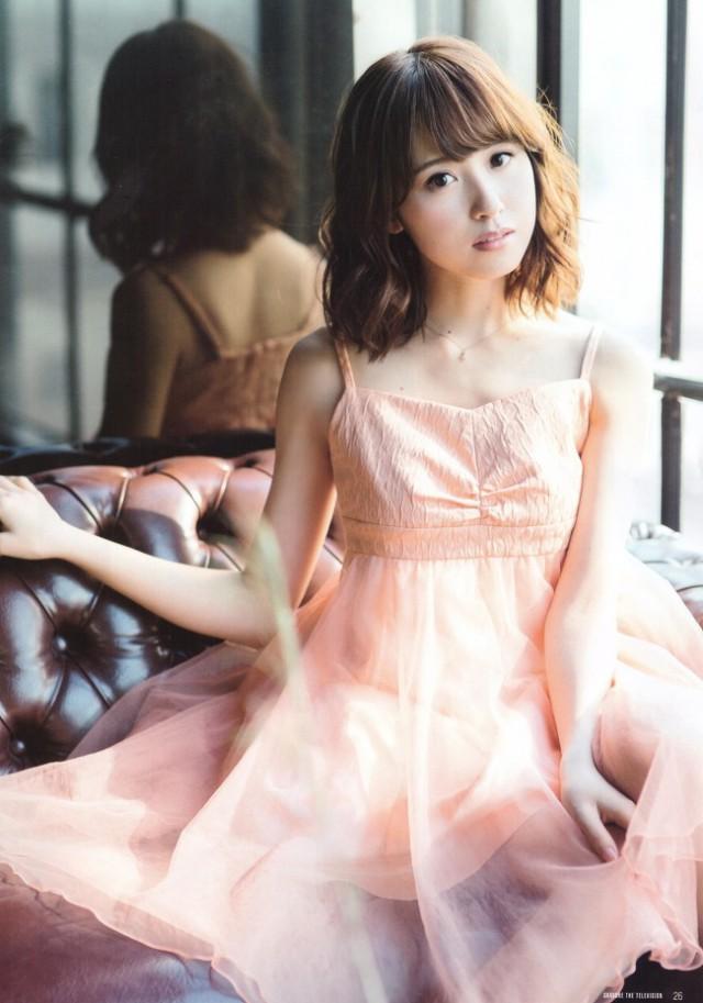 衛藤美彩_03