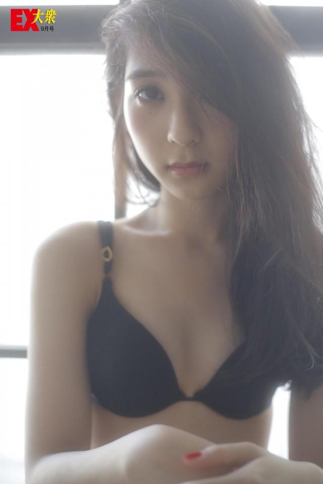 松岡菜摘_02