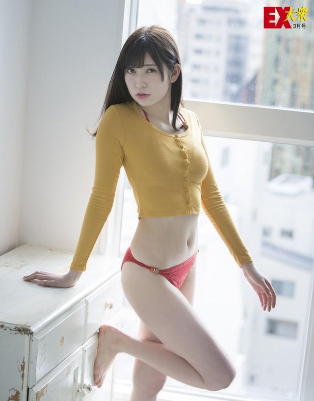 吉田朱里_03
