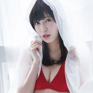 吉田朱里_00