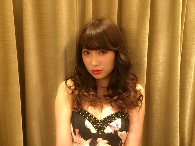 吉田朱里_05