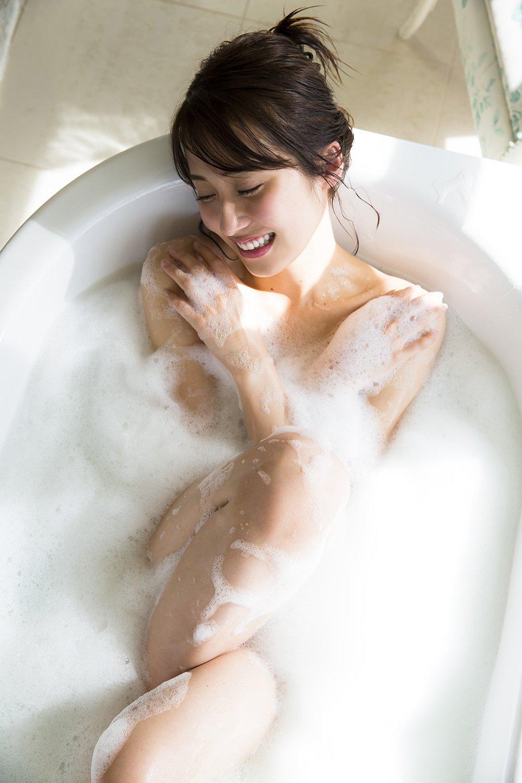 衛藤美彩の画像 p1_33