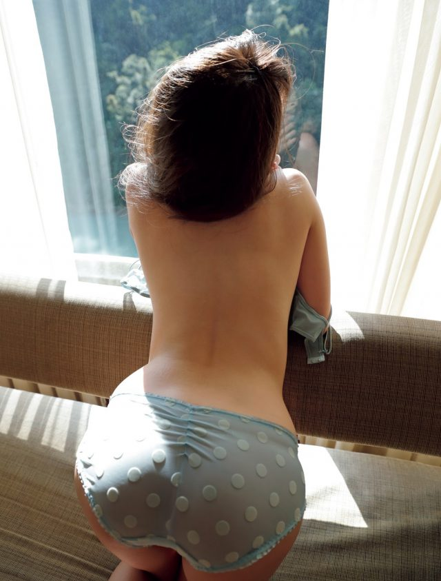 入山杏奈_03