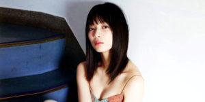 AKB48後藤萌咲ちゃんの笑顔広がるグラビア画像!