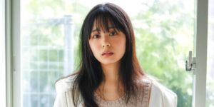 乃木坂46佐藤璃果ちゃんが優しく微笑むグラビア画像!