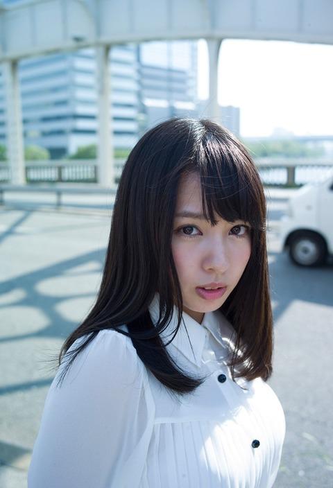 山田菜々_01